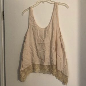 AE tank with lace around bottom